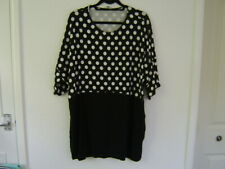 Lovely Capsule Ladies Tunic Top, Size 20/22 Black/White VGC