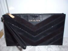 NWT Michael Kors Bedford Large Zip Clutch Wristlet Black