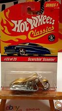 Hot Wheels Classics Scorchin' Scooter gold (9974)