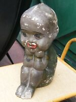 Tirelire à casser en plâtre Petit enfant noir assis ancienne
