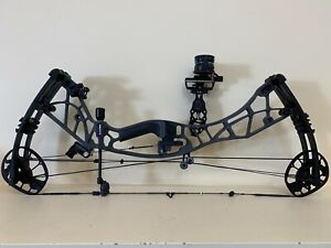 Hoyt Axius Alpha.New 2020.Axle To Axle 25-29.5 Inch,#30-80.Righthand.Lense.Sling