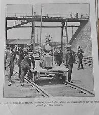La reine de Grande Bretagne sur un Truck poussé par des Mineurs Image Print 1912