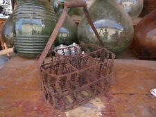 Ancien panier à bouteilles de vin en métal vintage de bistrot déco cave brocante