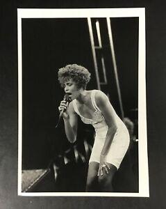 "Original 1991 Press Photo Whitney Houston Wire Music 10 x 7"" Vintage Summerfest"