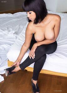 Xanny 4445 Semi-Nude Fashion Model Hand-Signed 8.5x11 Photo by Craig Morey