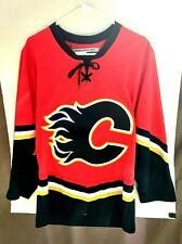 Calgary Flames VTG NHL CCM Officially Licensed Hockey Jersey Adult Small A39