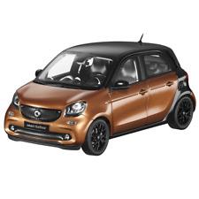Smart forfour 453 1:18 Modellauto prime black / hazel brown  B66960299