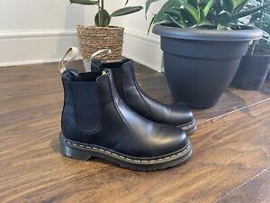Dr Martens 2976 Vegan Chelsea Boot Black Size 6 Worn Once Excellent Condition