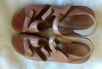 SAS Woman's Brown Sandals, Sz 8 1/2 W, New, TriPad Comfort