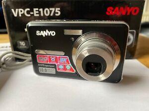 """Sanyo VPC-E1075 10 Megapixels, 2.7"""" LCD Screen, 3 X Super Zoom, Digital Camera"""