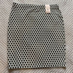 BNWT TU Skirt Size 14 Knee Length Grey Hearts Unlined Smart Pull On Elasticated