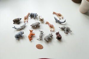 Realistic animal Toys Figures Playset with Play Mat rubber small Educational Set