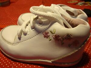 Stride Rite Baby Girl White Leather Walking Shoes Booties Pink Flower 6XW    251