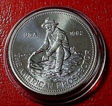 1982 (E) - 1 oz Engelhard Prospector Silver Round .999 Fine in Capsule