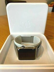 Apple Watch MJ3Y2B/A 42mm Smartwatch Milanese Loop - Stainless steel Series 1