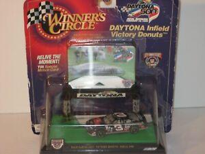 Winners Circle NASCAR Dale Earnhardt Daytona Infield Victory Donuts 1998 W/ Card