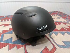 SMITH PIVOT SNOW SKI HELMET MEN'S LARGE BLACK