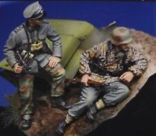 1/35 Scale WWII German SS Officer and Soldier Ambush Resin Model Kit (2 Figures)