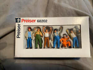 Preiser Figures 1:50 Truckers