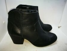 Aldo black leather ankle boots size 7