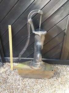 Cast Iron Garden Hand Pump . Ornamental Well Pump for Garden Feature / Pond etc