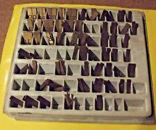 Ancienne Boîte Typographie Matrice + de 115 pièces tampon chiffre lettre
