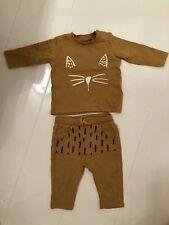 M&S MUSTARD YELLOW CAT DESIGN JUMPER & TROUSERS SET / TRACKSUIT - 0-3-3-6 MONTHS