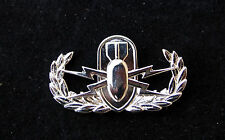 US AIR FORCE EXPLOSIVE ORDNANCE DISPOSAL BADGE PIN UP MILLITARY AFB  AFB GIFT