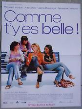 Affiche COMME T'Y ES BELLE Michèle Laroque AURE ATIKA Valérue Benguigui 40x60cm