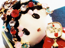 CHINESE OPERA DOLL BROOCH!Lucky Red Kimono & Rhinestones Pin.Yellow Gold Tone.