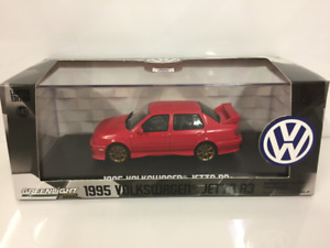 Volkswagen Jetta A3 1995 Red 1:43 Scale Greenlight 86313
