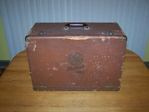 VINTAGE TELEVISION REPAIRMAN'S GENERAL ELECTRIC ELECTRONIC TUBES CASE / WORKBOX