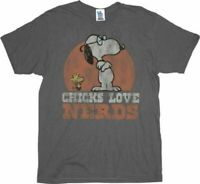 Classic Cartoon TV Show Peanuts Snoopy Chicks Love Nerds Charcoal T-Shirt Tee