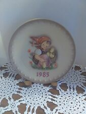 """1985 Handpainted Hummel """"Chick Girl"""" Collector's Plate by Goebel"""