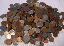 ** 500 - 600 * MIXED WORLD COINS ** coins (5 Pounds) **