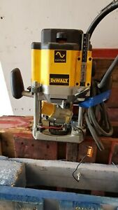 DEWALT DW625E-LX ROUTER 110V FOR SPARES OR REPAIRS