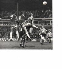 Unstamped Press Photo B&W 7 x 7 - Oldham v Stoke 4.10.1977