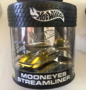 Hot Wheels 2003 Showcase Oil Can - Gold MOONEYES Streamliner - 1 of 7,000 - MINT