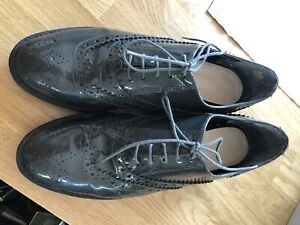 KURT GEIGER BY CARVELLA LINCOLN GREY PATENT SHOES SIZE 40 RRP $200