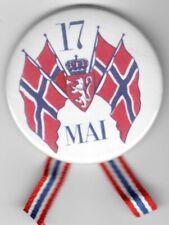 17de mai button with ribbon