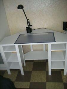 Ikea Eckchreibtisch Brusali, weiß, wie neu