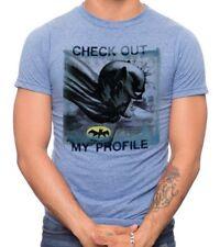 NWOT BATMAN Tee Shirt Size MEDIUM (DC Comics) *OFFICIAL MERCHANDISE*
