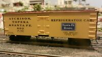 Roundhouse MDC HO Old Time 36' Reefer, Santa Fe, Wickes Patent, Upgraded, Exc