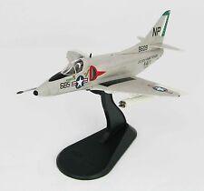 HOBBY MASTER 1/72 HA1427 A-4C Skyhawk fighter MIG-17 Killer, VA-76 1967