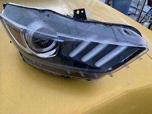 2017 Ford Mustang Xenón Headlight