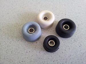 Gummipuffer mit Metallöse 16Øx07 - 26Øx14 mm, schwarz, grau, weiss