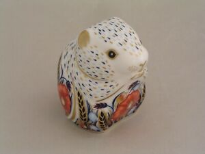ROYAL CROWN DERBY POPPY MOUSE PAPERWEIGHT, GOLD STOPPER.