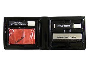Schallplatten Pflegeset Carbonbürste, Nadelreiniger, Reinigungstuch, Flüssigkeit