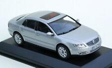 Minichamps VW Phaeton Lim. - Modell Bj. 2002-2016, M. 1:43, silbermetallic, OVP