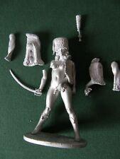 Figurine en plomb à peindre: 'Hussarde' (Mascot Models ou 3d Girl ?) Hussard